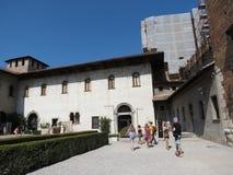 Verona - medeltida slott Arkivbilder