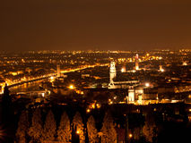 Verona-Nachtansicht Stockfotografie