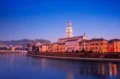 Verona på natten Fotografering för Bildbyråer