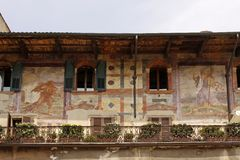 Verona, Piazza Erbe, Painted Casa Mazzanti Royalty Free Stock Photos