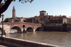 verona Ponte Pietra Italien Lizenzfreie Stockbilder