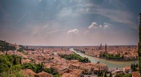 Verona sikt från Castel San Pietro Fotografering för Bildbyråer