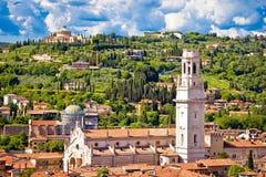 Verona tak och flyg- sikt för cityscape Arkivfoton