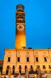 Verona Torre deiLamberti skymning Royaltyfria Foton
