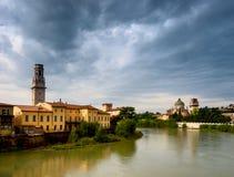 Verona von Ponte Pietra. Italien Lizenzfreie Stockfotos