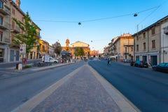 VERONA, WŁOCHY Wrzesień 08, 2016: Miasto krajobraz na widoku na piazza XVI Ottobre i wieczór Obrazy Royalty Free