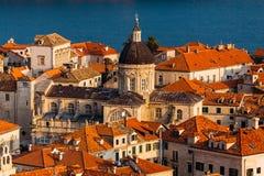 Veronderstellingskathedraal in het oude deel in Dubrovnik, Kroatië Stock Afbeelding