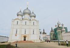 Veronderstellingskathedraal in Rostov het Kremlin, Rusland Stock Fotografie