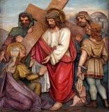 Veronica torkar framsidan av Jesus, 6th stationer av korset Arkivbild