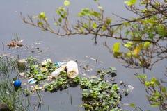 Verontreiniging van Pinheiros-rivier in Sao Paulo Royalty-vrije Stock Fotografie