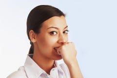 Verontruste womant Sluit omhoog portret Kinetisch gedrag, psy gebaren, Stock Foto