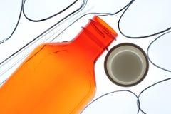 Verordnung-Flasche und Löffel Stockfotografie