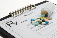Verordnung und Pillen stockfoto