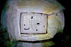 Verouderde militaire catacomben Royalty-vrije Stock Afbeeldingen