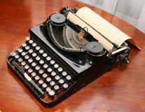 Verouderde uitstekende schrijfmachine Stock Foto