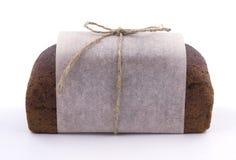Verpackung des dunklen Brotes Stockbilder