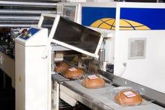 Verpackung des frischen Brotes Lizenzfreie Stockfotografie