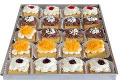 Verpackung des kleinen Kuchens, Lieferungskasten lizenzfreies stockfoto