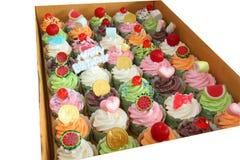 Verpackung des kleinen Kuchens, Lieferungskasten stockfoto
