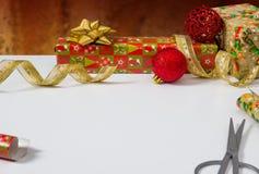 Verpackung von Geschenken Stockbild