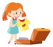 Verpackungskoffer des kleinen Mädchens Lizenzfreie Stockfotografie