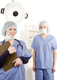 Verpleegster en arts in het ziekenhuisruimte Stock Fotografie