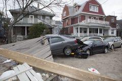 Verpletterde auto's na Orkaan Zandig op Oct Royalty-vrije Stock Afbeeldingen