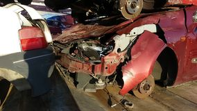 Verpletterde Auto's op Tow Truck stock videobeelden