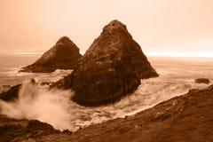 Verpletterende golven stock afbeelding