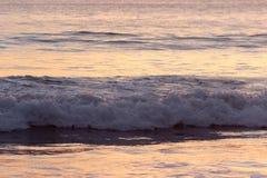 Verpletterende golven Stock Fotografie