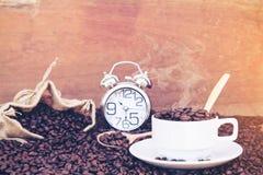 Verrückt in der Liebe mit Kaffee Stockbild