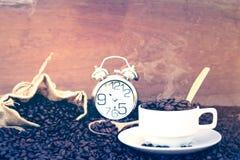 Verrückt in der Liebe mit Kaffee Lizenzfreie Stockbilder