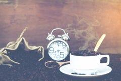 Verrückt in der Liebe mit Kaffee Stockbilder