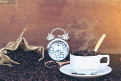 Verrückt in der Liebe mit Kaffee Lizenzfreie Stockfotografie