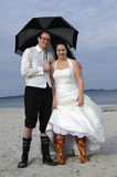 Verrückte Hochzeit am Strand Lizenzfreies Stockfoto