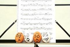 Verrückte singende Eier Stockfoto