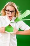 Verrücktes Gesicht der grünen Superheld-Geschäftsfrau Stockbild