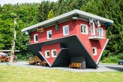 Verrücktes Haus auf Edersee, Deutschland Lizenzfreies Stockfoto