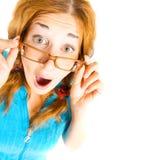 Verrücktes Mädchen in den Gläsern getrennt Stockfoto