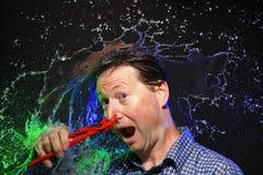 Verrücktes Wasserspritzenporträt stockbild