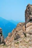 Verraderlijke bergklippen stock foto
