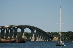 Verrazano桥梁,詹姆斯敦, RI 免版税库存照片