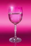 Verre à vin avec de l'eau images libres de droits
