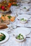 Verre à vin sur une table Image stock