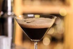 Verre d'expresso délicieux Martini Cocktail d'alcool photographie stock libre de droits