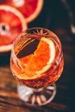 Verre de cocktail aigre orange de whiskey photos libres de droits