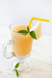 Verre de cocktail de melon Photographie stock