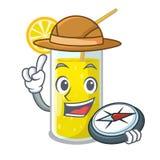 Verre de jus de citron d'explorateur sur la table de caractère illustration de vecteur