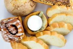 Verre de lait et de pain Photo stock