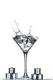 Verre de Martini avec l'éclaboussure Image libre de droits